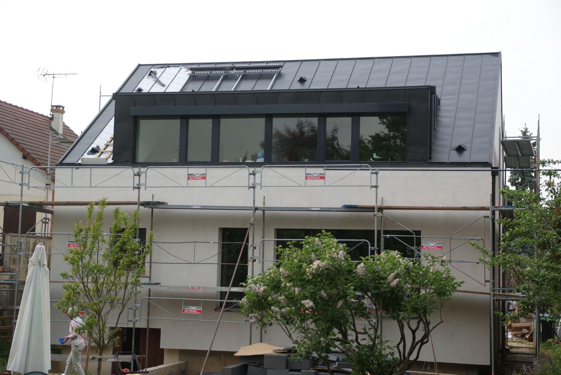 Mot cl toit r novation passive for Toit en zinc noir